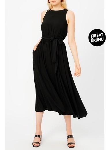 Random Kadın Beli Lastikli Kolsuz Elbise Siyah